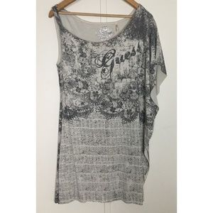 Guess Top Graphic Detail By Guess